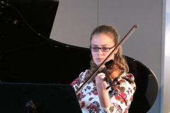 Geige Joana Oster