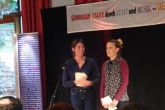 Magdalena Werner (BIKS) mit Lena Weigelt
